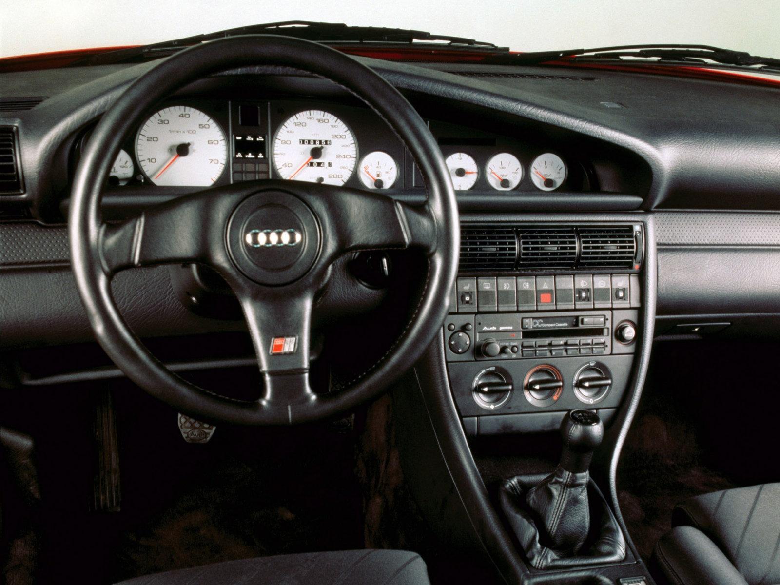 Детали салона Audi 100 (45)